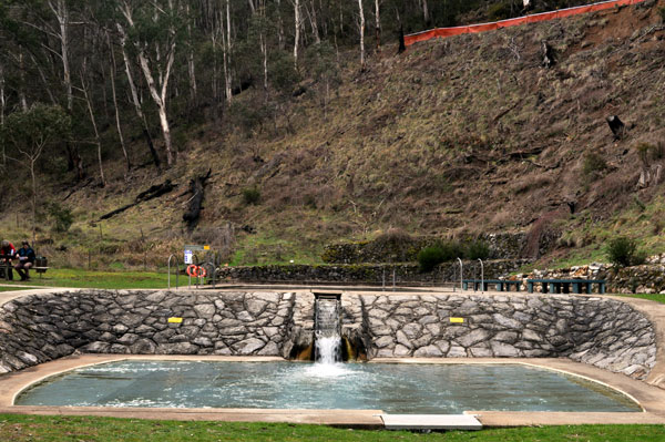 Yarrangobilly thermal swimming pool